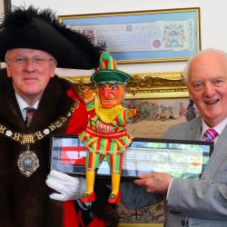 PCR John Styles receiving The freedom of the City from